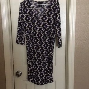 Attention medium size woman's dress 3/4 sleeves